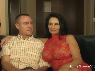 Hot amateur mature sucking and fucking a younger guy