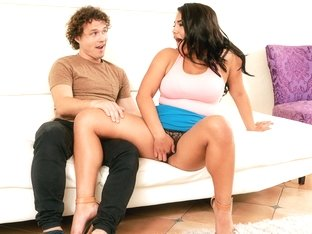 Julz Gotti & Robby Echo in Next Door Gotti - FirstTimeAuditions