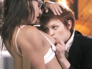 Zdjęcia busty heban sex