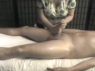 Hidden Cam. Like a Pro. Penis Massage with Happy Ending