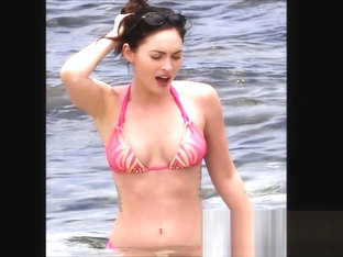 Hot Celeb Chick Megan Fox Naked Topless and Sizzling