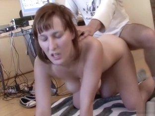 Порно amature между сисек