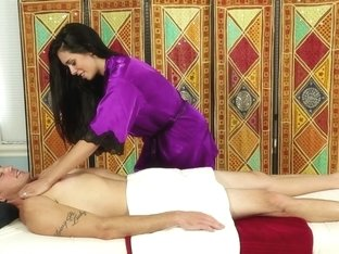 Massage-Parlor: Brylee The Specialist