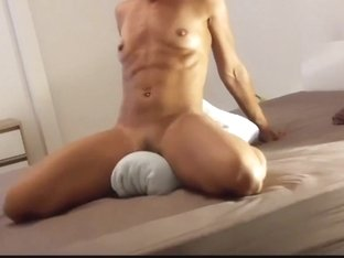 Fit Milf Riding her Pillow To Orgasm - Boyfriend Watches