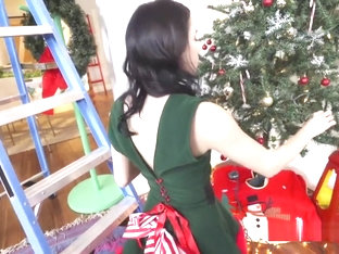 Tied In Christmas Lights Gf Gets Fucked