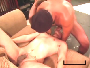 EXTREME DEEPTHROATING AND GAGGING