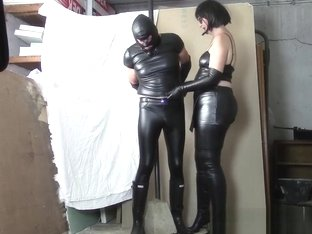 Leather Mistress, leather slave (Part one: plastic bag and HOM)