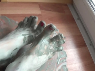 Camilla Moon - My dirty feet