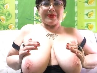 Mature BBW with huge saggy tits