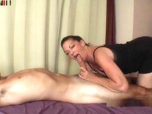 Margo Sullivan mamma e figlio pornoenorme cazzo nero in stretta figa bianca