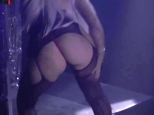 Caroline striptease in Oslo