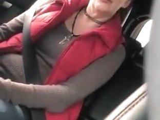 good granny pros bj in car