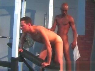 Sexo gay en el gym